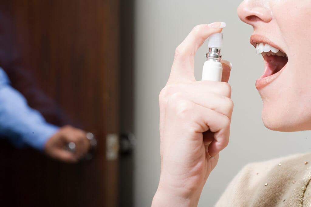 Запах изо рта на кето-диете (фруктовое дыхание)