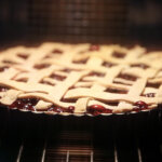 Пирог из смеси ягод: тонкий кето пирог